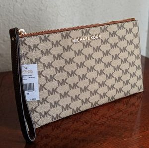Michael Kors Large Jet Set Zip Clutch